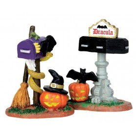 LEMAX MONSTER MAILBOXES, SET OF 2