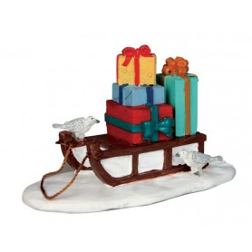 LEMAX SLED WITH PRESENTS