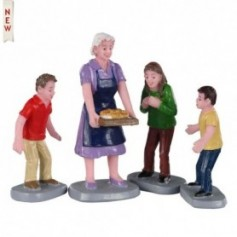 LEMAX FAMILY TRADITION, SET OF 4 02945