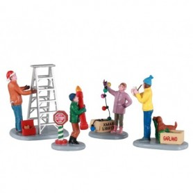 LEMAX GETTING READY TO DECORATE, SET OF 4 12030